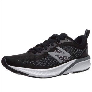 New Balance NIB! 870v5 running shoes